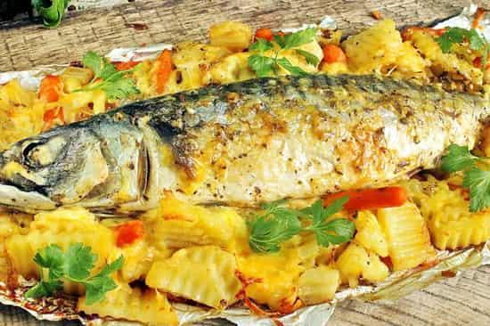 рецепт скумбрии в духовке с картошкой