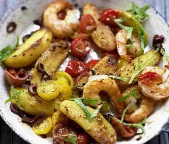 рецепт салата из креветок с помидорами